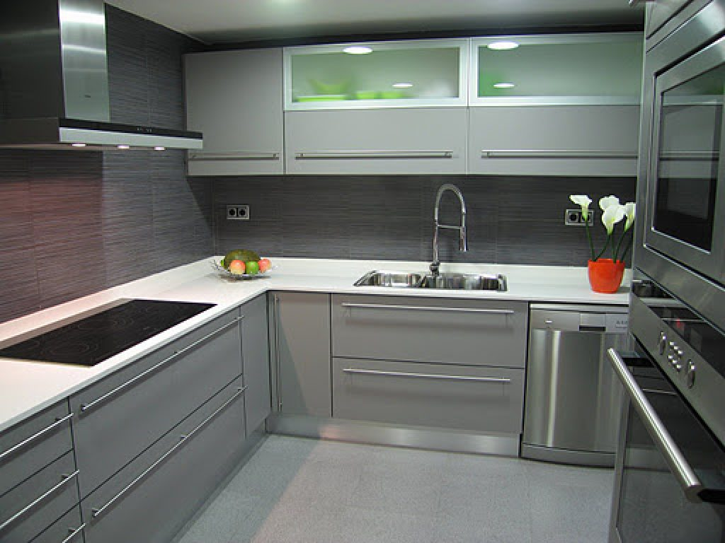 Ideas para decorar cocinas grises for Elemento de cocina gris