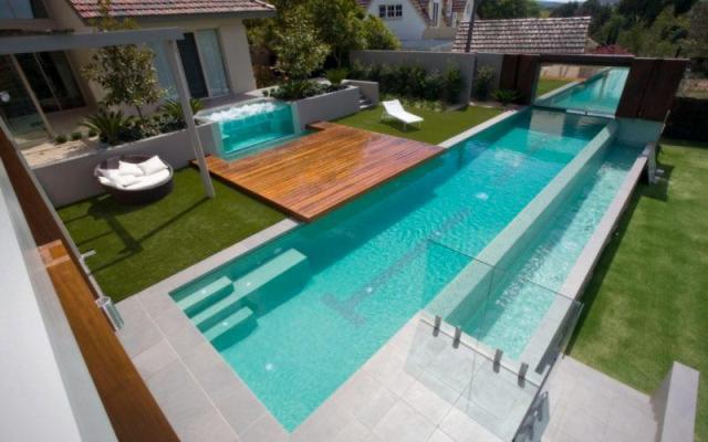 Piscinas minimalistas para chapotear con estilo for Casa minimalista con piscina