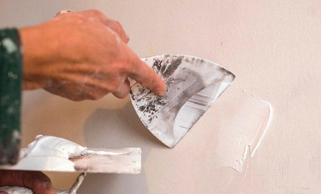 cómo empapelar una pared