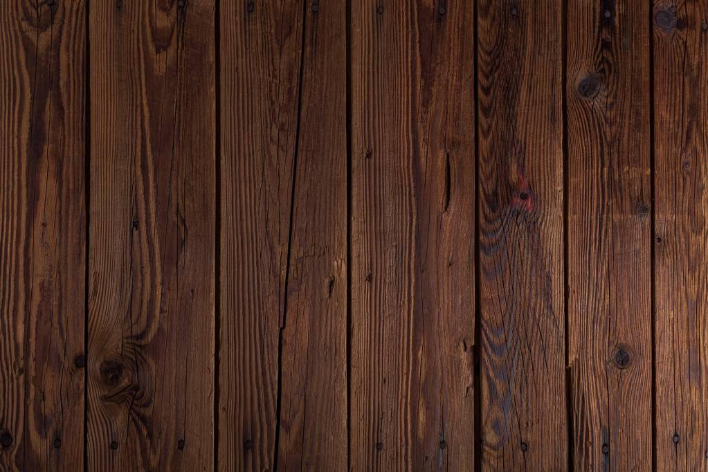 Quitar manchas de madera barnizada