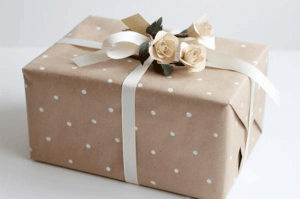 cajas de carton con papel craft